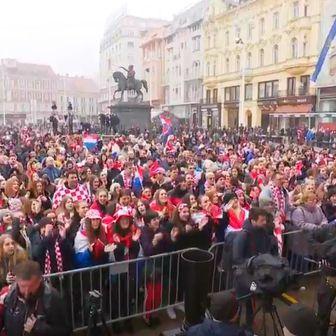 Navijači dočekali rukometaše na Trgu bana Jelačića