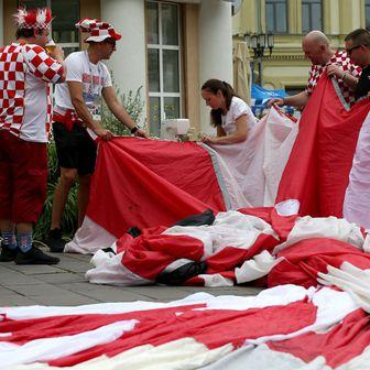 Hrvatska navijačka zastava u središtu pažnje (Foto: Igor Kralj/PIXSELL)