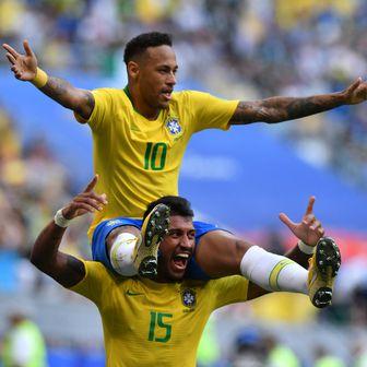 Neymar i Paulinho (Foto: AFP)