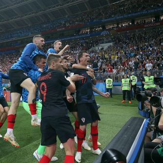 Slavlje Vatrenih nakon utakmice s Engleskom (Foto: Igor Kralj/PIXSELL)