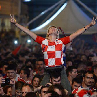 Navijači na Trgu (Foto: Marko Prpic/PIXSELL)