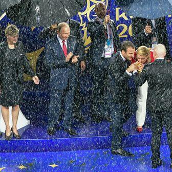 Vladimir Putin, Emmanuel Macron i Kolinda Grabar-Kitarović (Foto: AFP)