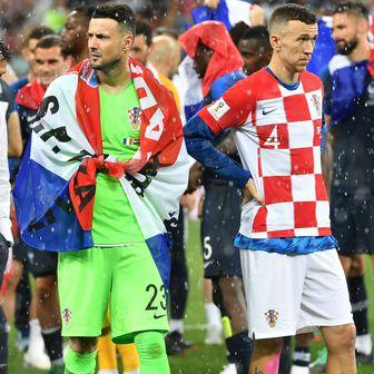 Danijel Subašić i Ivan Perišić (Foto: Frank Hoermann/DPA/PIXSELL)