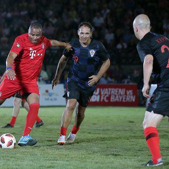 U pulskoj Areni održan nogometni spektakl između legendi Hrvatske i Bayerna (Foto: Goran Stanzl/PIXSELL)