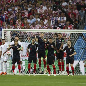 Trippier pogađa protiv Hrvatske (Foto: Bradley Ormesher/News Syndication/PIXSELL)
