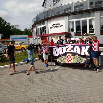 Hrvatski navijači u Kalinjingradu (GOL.hr)