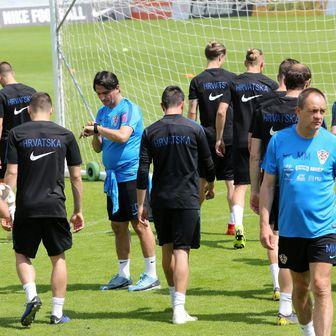 Zlatko Dalić na treningu Vatrenih (Photo: Goran Kovacic/PIXSELL)