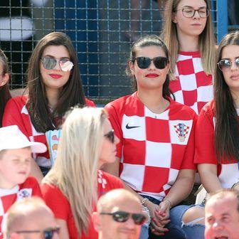 Hrvatski navijači na Gradskom vrtu (Foto: Goran Stanzl/PIXSELL)