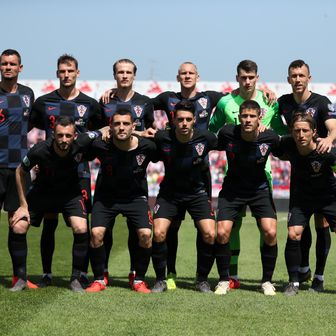 Hrvatska reprezentacija prije utakmice s Walesom (Foto: Goran Stanzl/PIXSELL)