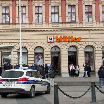 Neredi navijača Budućnosti u Zagrebu