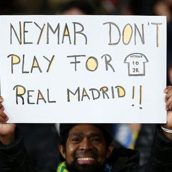 Navijačka molba Neymaru (Foto: Nigel French/Press Association/PIXSELL)