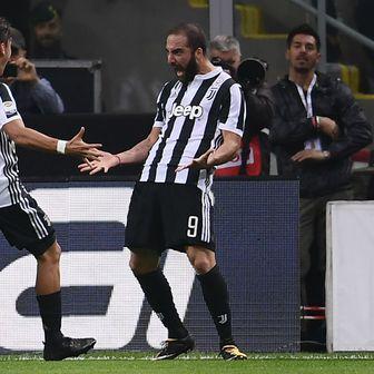 Paulo Dybala i Gonzalo Higuain (Foto: AFP)