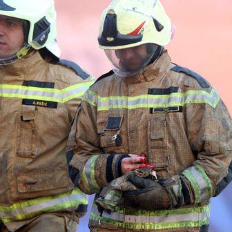 Vatrogasac ozlijeđen od topovskog udara na Poljudu (Foto: Ivo Čagalj/PIXSELL)