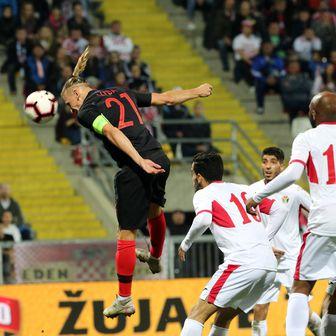Domagoj Vida zabio Jordanu (Foto: Goran Kovacic/PIXSELL)