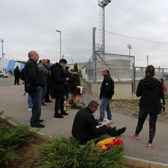 Navijači na Rujevici čekali za kupnju ulaznica za Hrvatska - Slovačka (Foto: Goran Kovačić/PIXSELL)