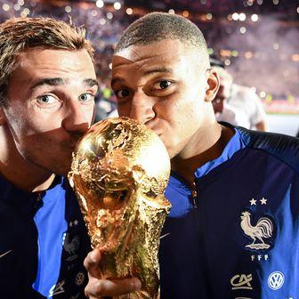 Antoine Griezmann i Kylian Mbappe (Foto: AFP)