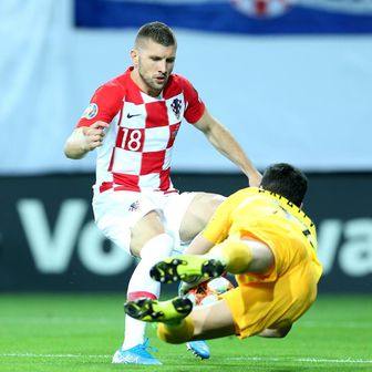 Emil Balajev i Ante Rebić (Foto: Luka Stanzl/PIXSELL)