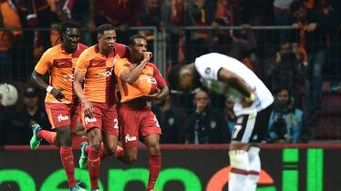 Garry Rodrigues slavi gol sa suigračima iz Galatasaraya