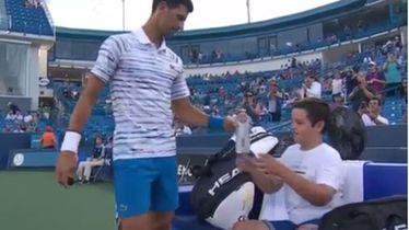 Novak Đoković i dječak