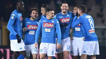 Marek Hamšik slavi s igračima Napolija