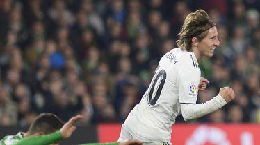Luka Modrić slavi pogodak