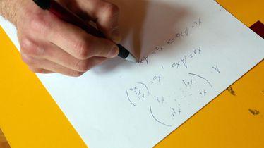 Rješavanje zadatka iz matematike, ilustracija (Foto: Goran Kovacic/PIXSELL)
