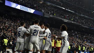 James Rodriguez slavi pogodak s igračima Reala