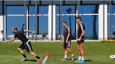 Higuain i Ronaldo sprintaju
