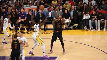 LeBron James protiv LA Lakersa