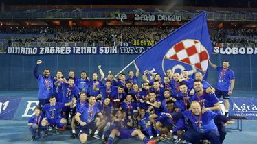 Dinamo slavi naslov prvaka