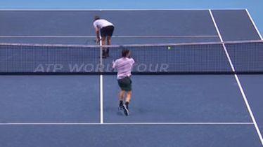 Sock okrenuo stražnjicu Federeru