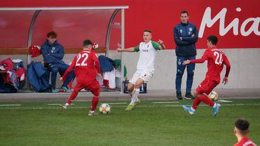 Franji Ivanović ispred Miroslava Klosea