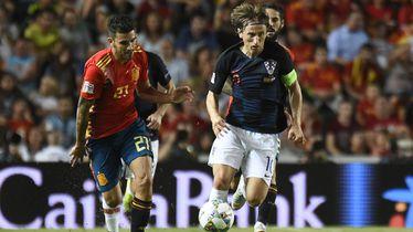 Luka Modrić protiv Španjolske (Foto: AFP)