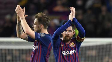 Messi i Rakitić pozdravljaju navijače