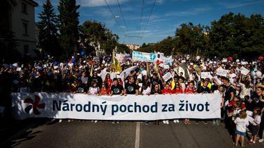 Marš protiv pobačaja u Bratislavi (Foto: AFP)