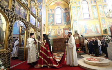 Metropolit Porfirije povodom Uskrsa predvodio svečanu arhijerejsku liturgiju (Foto: Luka Stanzl/PIXSELL)