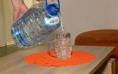 Nepovjerenje u pitku vodu (Foto: Dnevnik.hr) - 2