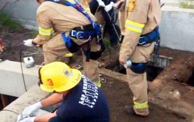 13-godišnjak u kanalizaciji preživio punih 12 sati prije spašavanja (Foto: LAFD)