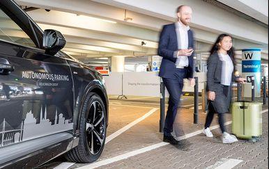 Automobil s tehnologijom za autonomno parkiranje (Foto: VW)