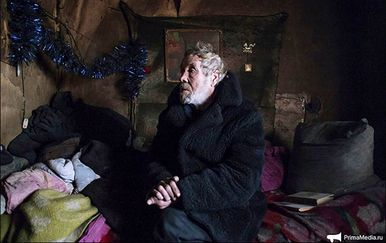 61-godišnji pustinjak Aleksandar Kuznjecov ne želi otići iz napuštene ruske vojne baze (Foto: Prima Media/Siberian Times)