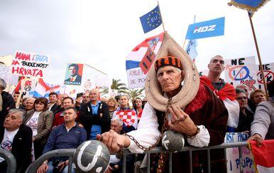 Prosvjed protiv Istanbulske konvencije (Foto: Miranda Cikotic/PIXSELL)