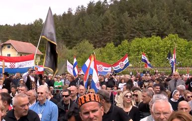 Prošlogodišnje odavanje počasti žrtvama bleiburške tragedije (Foto: Jurica Galoic/Pixsell) (Foto: Dnevnik.hr) - 3