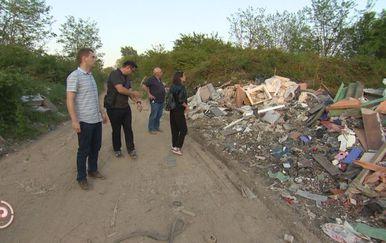 Građani su bijesni jer divlji deponiji još uvijek nije saniran (Foto: Dnevnik.hr) - 1