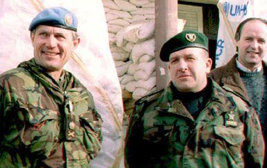 Atif Dudaković, desno (Foto: AFP)