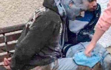 Ljutiti stanovnici uhvatili odbjegle pedofile: Vezali ih za klupu, istukli metalnim šipkama i zalili plavom bojom (Foto: Belfast Telegraph)