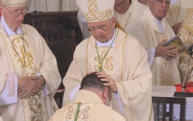 Zaređenje novog hvarskog biskupa (Foto: Dnevnik.hr)