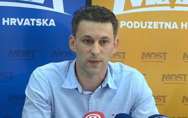 Božo Petrov o prijetnjama Bunjca (Foto: Dnevnik.hr)