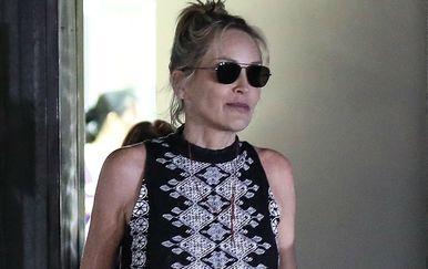 Sharon Stone nosi potpetice koje izazivaju oprečna mišljenja - 4