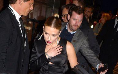 Scarlett Johansson u crnom izdanju