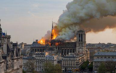 Katastrofalan požar katedrale Notre Dame (Foto: AFP)